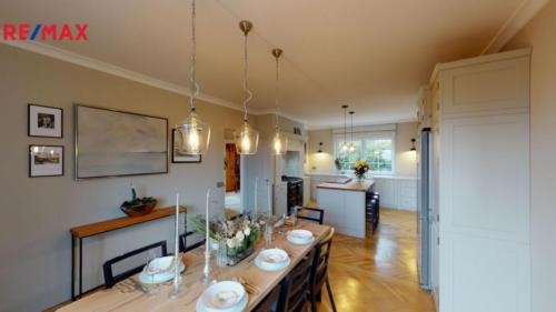 Prodej domu 281 m², Praha 5 - Zbraslav