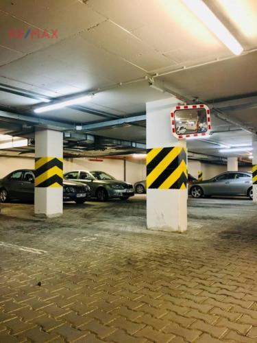 Prodej garážového stání 38 m², Praha 5 - Košíře